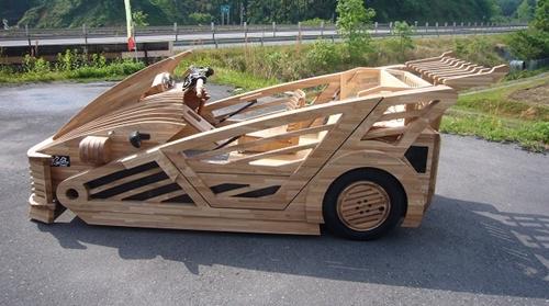 Supercar en bois Maniwa