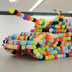 Photo : Char en ballons