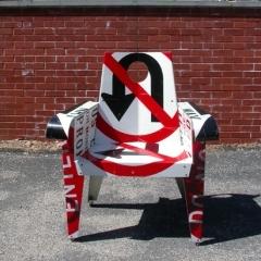 Photo : Chaises panneaux routiers