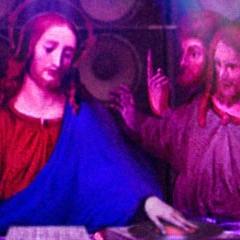 Photo : God is a DJ