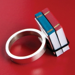 Photo : Book Ring
