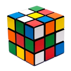 Photo : Résoudre un Rubik's cube en 5 étapes