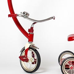 Tricycle rouge ...