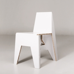 Yksi chair la chaise en carton