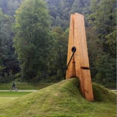 Photo : Pince à linge géante