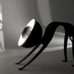 Photo : Micha Lamp : lampe féline
