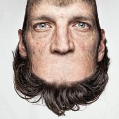 Photo : Head on top