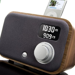 Photo : Station Soundsystem iPod Natural Walnut
