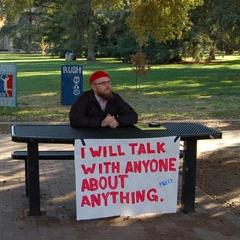 Photo : Je parle avec tout le monde ...