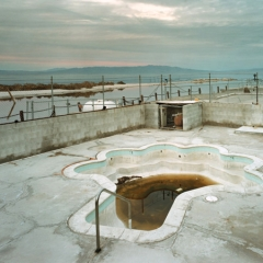 Photo : Piscines abandonnées