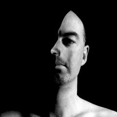 Photo : L'homme aux deux visages