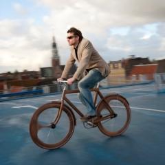 Photo : Vélo en bois design