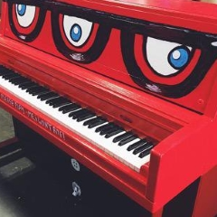Image : Piano. Push. Play.
