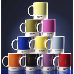 Photo : Tasses Pantone
