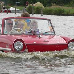 Photo : Amphicar : voiture bateau