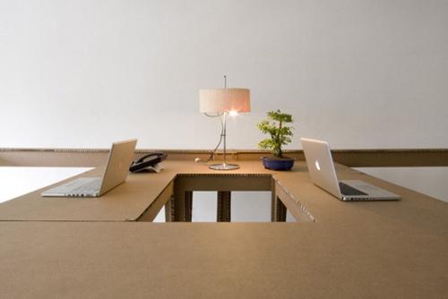 Les bureaux en carton de alrik koundenburg et joost van bleiswikj
