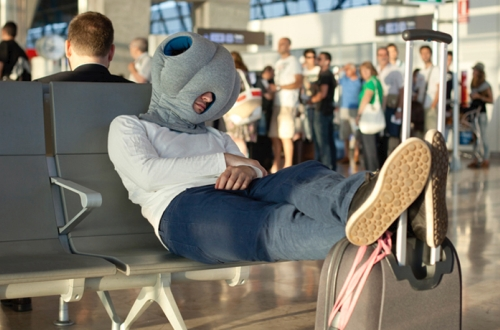 L'oreiller mobile Ostrich Pillow