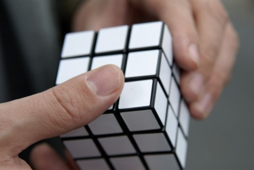 photo Rubik's cube blanc