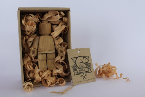 photo d'une figurine Lego en bois Wooden Art toys